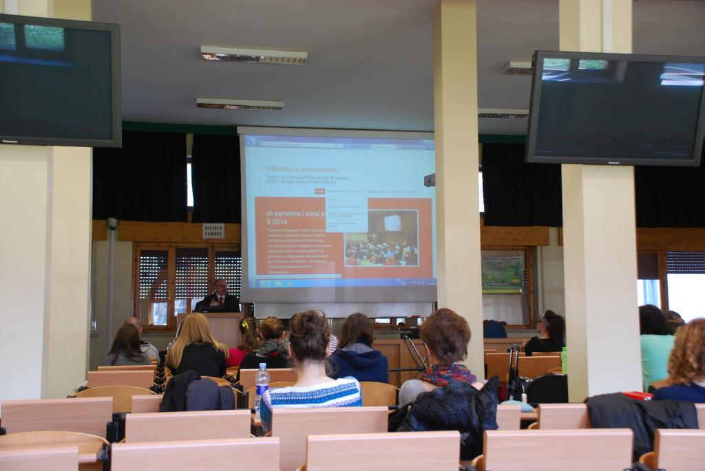 Il primo incontro dei corsi del Centro di ricerca sullo sviluppo motorio nell'infanzia (Verona, 25 gennaio 2014). Un momento dell'intervento del prof. Fumagalli