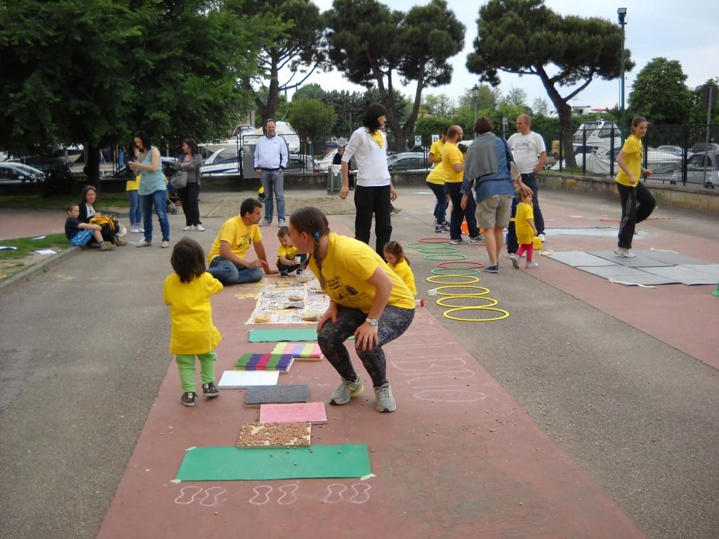 Un momento della Giornata del Bambino a Peschiera del Garda l'11 maggio 2014