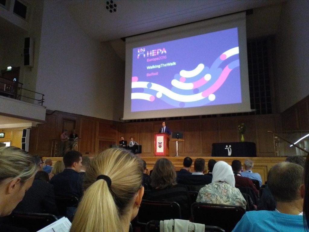 Un momento della conferenza HEPA Europe 2016 a Belfast, Irlanda del Nord